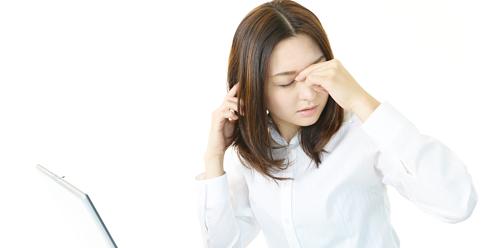 肩こりで頭痛とひどい吐き気が治らない!原因と解消法は?