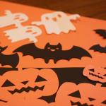 ハロウィンの飾りを手作り!こうもりやおばけも画用紙で簡単に!