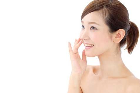 乾燥肌に化粧水がおすすめ!20代前半に人気のプチプラな市販品は?